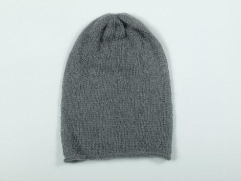 prosta czapka szara